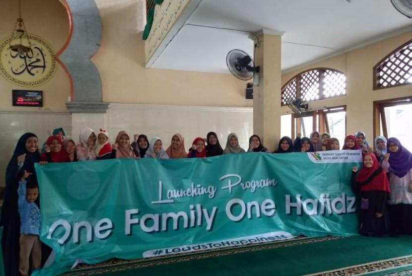 Yayasan Bangun Pemimpin Muda Masa Depan melaunching Program One Family One Hafidz Qur'an, Ahad (19/5).