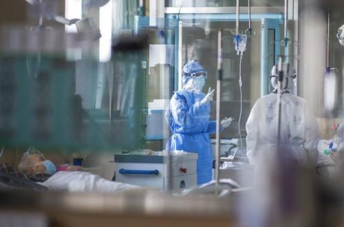 Dokter di Cile Kewalahan Tangani Pasien Covid-19
