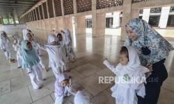 Jadikan Masjid Tempat Nyaman untuk Anak
