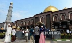 Sejarah Kemegahan Masjid Dian Al-Mahri