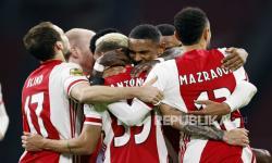 Ajax Tantang Vitesse di Final Piala KNVB