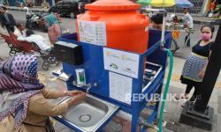 Pertamina Berikan Tandon Air Cuci Tangan ke RSUD Jayapura