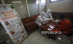 In Picture: Rapid Test Bagi Tahanan Polda Jawa Timur
