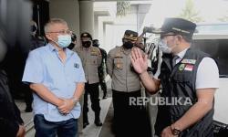 Blusukan, Kang Emil Sempat Temui Sekeluarga Isoman di Bekasi