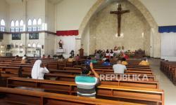 In Picture: Pelonggaran PSBB, Beberapa Gereja Mulai Layani Misa Minggu