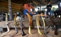 In Picture: Pengrajin Pisau Rencong di Aceh Besar