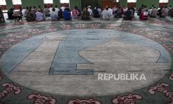 IK-DMI BagikanTermometerke Sejumlah Masjid di Depok
