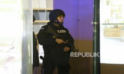 Penggerebekan Rumah Tokoh Muslim Austria Melanggar Hukum