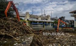 Cegah Banjir, Pemprov DKI Siapkan 54 Alat Berat