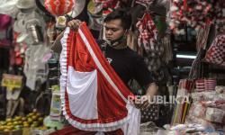 Pengrajin Bendera di Solo Dapat Pesanan Besar Jelang HUT RI
