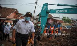 Muhadjir Minta Lokasi Banjir di Puncak Ditanami Vetiver