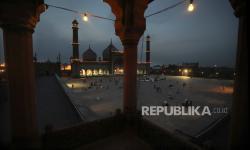 Masjid-Masjid di Kolkata Gelar Sholat Ied Dua Gelombang