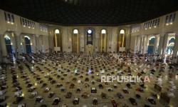 Masjid Al Akbar Surabaya Belum Putuskan Soal Sholat Ied