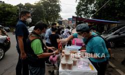Warga Benhil Semarakkan Ramadhan dengan Penjualan Takjil