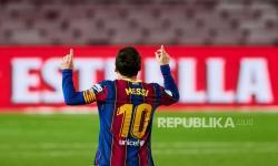 Messi Isyaratkan Tetap Bertahan di Barcelona