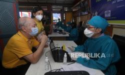 Kementerian BUMN Gelar Sentra Vaksinasi Covid-19 bagi Lansia