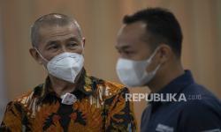 Ketua Umum PP Persatuan Bola Basket Seluruh Indonesia (Perbasi) Danny Kosasih (kiri) menjanjikan liga basket putri digelar pada 2022.