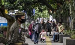 In Picture: Kasus Covid-19 di Bandung Meningkat