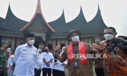 Sandiaga Undang Investor Kembangkan Pariwisata di Padang