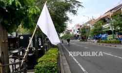 Ratusan PKL di Bogor Kibarkan Bendera Putih Protes PPKM