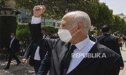 Melanggar Konstitusi, Presiden Tunisia Dituntut Mundur