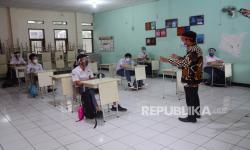 In Picture:  Pembelajaran Tatap Muka Terbatas (PTMT) di SMAN 8 Bandung