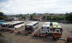 Perusahaan Otobus di Sumsel 'Parkir' Sementara