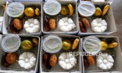 Pasien Isolasi Mandiri Kembali Dapat Bantuan Makanan