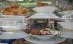 Satgas Awasi Pengunjung di Tempat Makan