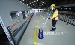In Picture: Stasiun Kereta Bandung Layani Perjalanan