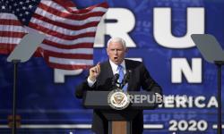 Gedung Putih Bela Keputusan Pence Lanjutkan Kampanye
