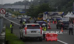 In Picture: Penyekatan Pemudik di Gerbang Tol Bogor