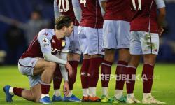 Carragher Puji Transformasi Pertahanan Aston Villa