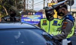 Polisi Cirebon Putar Balik 1.479 Kendaraan Pemudik