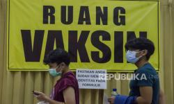 Ribuan Pelajar Ikuti Vaksinasi Covid-19 di Itenas Bandung