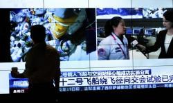 Peswat Ulang-Alik China Mendarat Selamat di Gurun Gobi