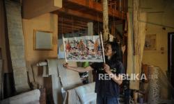 In Picture: Pelestari Pembuatan Kertas Tradisional <em>Daluang</em>