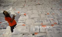 83.668 Keluarga di Indramayu Terima Bansos Beras