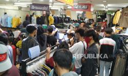 In Picture: Pusat Perbelanjaan di Kota Bandung Dipadati Pengunjung