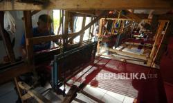 In Picture: Sarung Tenun Goyor Buatan Warga Binaan Lapas Slawi
