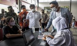 Ridwan Kamil dan Menkes RI Tinjau Vaksinasi Covid-19