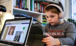 Madrasah di Lancashire Lanjutkan Belajar <em>Online </em>