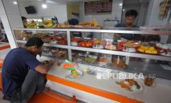 Depok Larang Layanan Makan di Warteg Hingga Restoran
