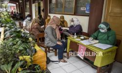 Vaksinasi Guru di Bandung Sudah Capai 2.744 Orang