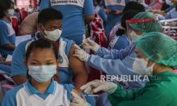 Serbuan Vaksinasi TNI Sasar Solo dan Labuan Bajo