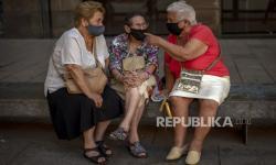 Alasan Lansia Perlu Berhati-Hati Saat Gunakan Masker