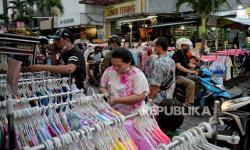 In Picture: Pedagang Pasar Baru Jakarta Nikmati Kenaikan Omset Penjualan