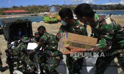 In Picture: Distribusi Logistik Bantuan Bagi Korban Bencana Alam NTT