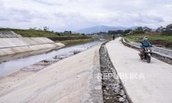 In Picture: Proyek <em>Floodway</em> Cisangkuy