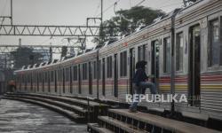 KAI Cirebon Berangkatkan 1.198 Penumpang Kereta Khusus